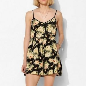 Urban Outfitters [Kimchi Blue] Romper